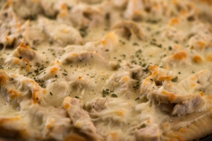 Chicken Pizza with White Sauce__No Sugarless Gum