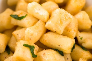 Potato Gnocchi with Sage-Butter Sauce5__No Sugarless Gum
